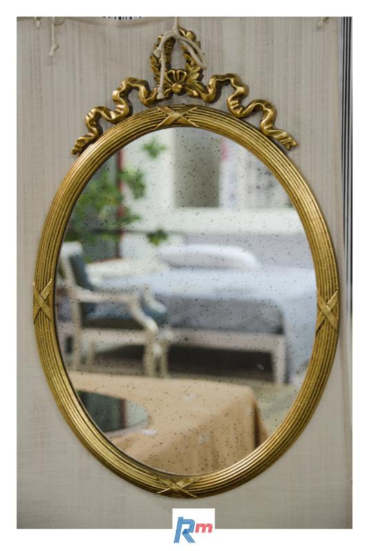 Venere specchio ovale in legno laccato oro antico - Specchio antico ovale ...